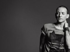 "Chester Bennington Vokalis ""Linkin Park"" Meninggal Dunia Gantung Diri"