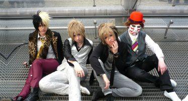 Konser 8 Detik Mengejutkan Fans Golden Bomber
