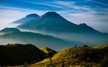 Aksa 7, Film Dokumenter Tentang Indonesia