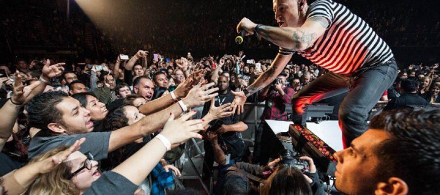 "Linkin Park Rilis Video Clip ""One More Light"""