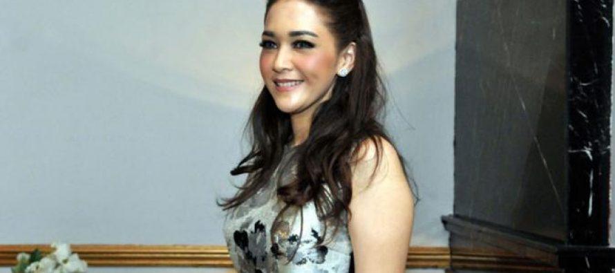 Maia Estianty Menjadi Juri Indonesian Idol Menggantikan Ahmad Dhani