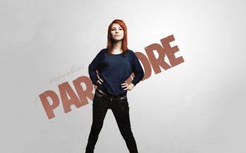 Hayley Williams Batalkan Konser Paramore Malam Ini