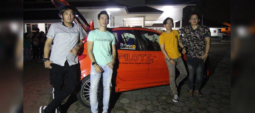 Pilotz Kenalkan Mobil Untuk Mini Konser On The Road