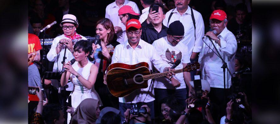 Gitar Milik Menteri Perhubungan Laku 250 Juta