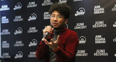 "Perspektif Kunto Aji Terhadap Isu Mental Health dalam Album ""Mantra Mantra"""