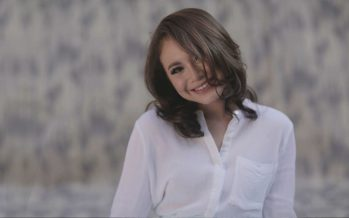 "Rasa Posesif Rossa Di Single Terbaru ""Firefly"""