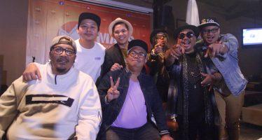 """Wong Pitoe Jadi Manusia Purba Di Video Klip """"Dialah Dia"""""""