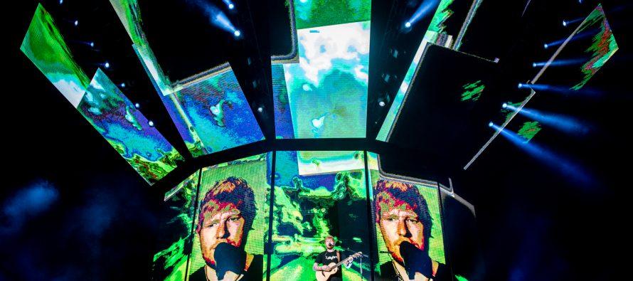 Beginilah Keseruan Konser Ed Sheeran Semalam