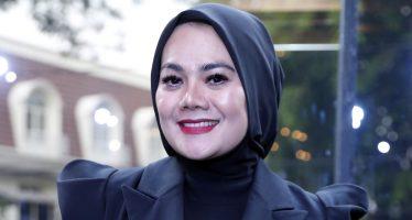 """Sarita Abdul Mukti Luncurkan Single Perdana Bertajuk """"Bertahan Karena Cinta"""""""