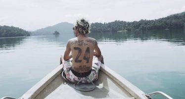 """""""Katakan Saja"""", Single Terbaru Dari Denny Frust,  Lagu Ceria Berlirik Menggelitik."""