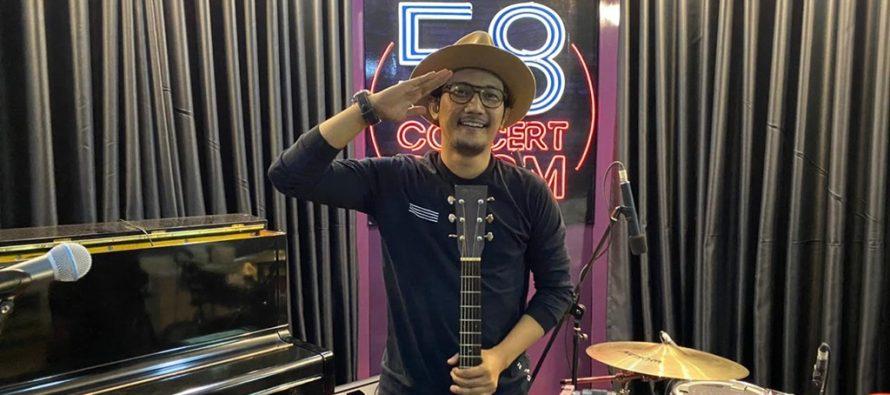 LIVE at Studio 58 Concert Room, Sandy Canester Nyanyikan Beberapa Single Hits Miliknya.