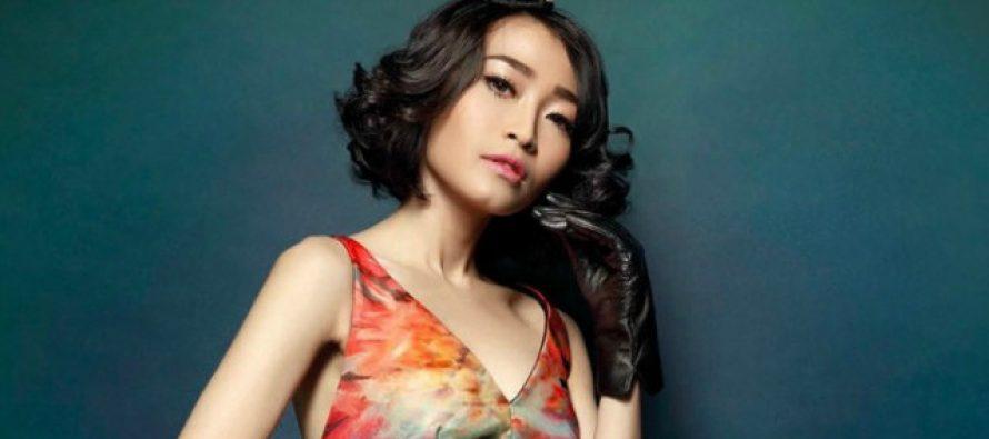 """Rinni Wulandari Perkenalkan Single Terbaru""""Born Ready"""""""