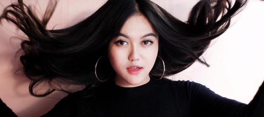 """Rilis lagu dalam 2 Bahasa Syafira berikan rasa lain di single terbarunya, """"SUDAH SUDAH""""."""