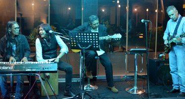 """Tembang – Tembang Blues Dan Oldies Di Acara """"Live Music Jauhi Narkoba"""" Minggu Ke 7."""