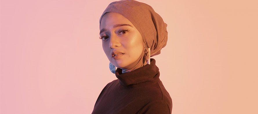 """Chiki Fawsi, Musisi Multitalenta Yang Merilis Single """"Panggilan Jiwa""""."""