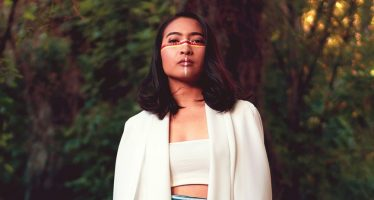 """Saling Menguatkan Lewat Single Rilisan """"Amanda Chitarra"""" Berjudul """"Rules of The Jungle""""."""