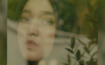 """Single Ke Empat """"Assalova Bertitel """"Langit Dan Senja""""."""