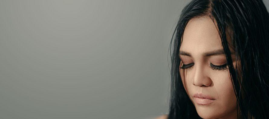 """WENI WEN Rilis Single Terbaru """"Biarkan Ku Sendiri""""."""