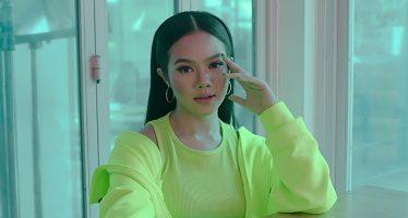 """""""Yura Yunita"""" Rilis Single Terbaru """"Hoolala""""."""