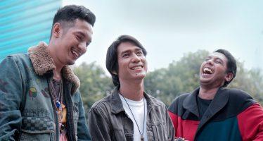 """Sounday"" Warnai Musik Indonesia Dengan Lagu ""Lo Gue End""."