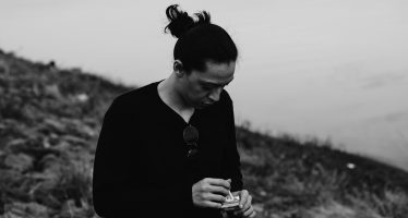 "Debut Perdana ""Pieter Anroputra"" Dengan Format EP Yang Berjudul ""Incurable Romantic: Can I Talk To You?"""