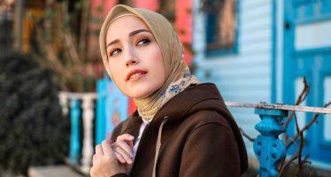 """Insya Allah di Jalan-Mu""  Single Solo Perdana Istri Pasha 'Ungu', Adelia Wilhemina."