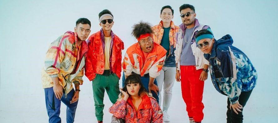 """""""Later Just Find"""" dengan, tiga vokalis dan empat instrumentalis rilis single """"Rindu Tak Bertemu""""."""