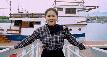 "Tarik sis semongko ""Anggun Pramudita"" merilis lagu yang berjudul ""Tumbak Cucukan""."