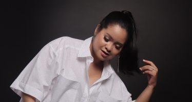 """Mengawali karir dengan berbagai proses, """"Meidi Ully"""" merilis debut singlenya berjudul """"Mungkin""""."""